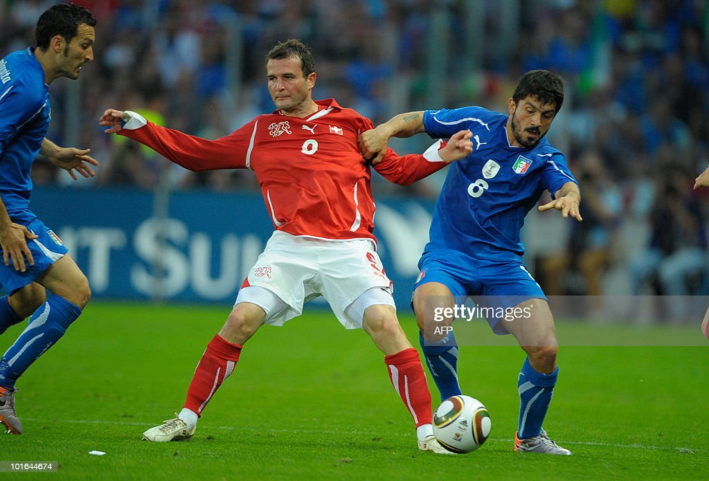 The swiss Alexander Frei (L) fights for the ball with the italian Gennaro Gattuso (R) during the Switzerland vs Italy friendly match on June 5, 2010 at La Praille stadium in Geneva.
