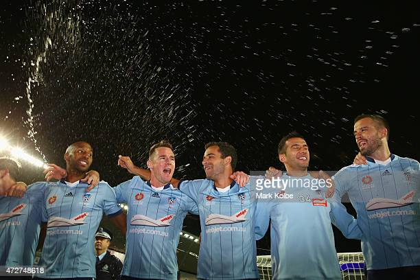 The Sydney FC team celebrate victory during the ALeague Semi Final match between Sydney FC and Adelaide United at Allianz Stadium on May 9 2015 in...