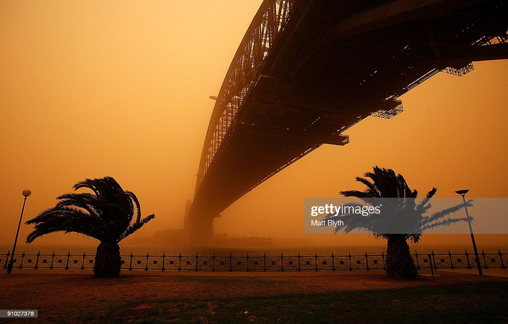The Sydney Harbour Bridge is seen on September 23, 2009 in Sydney, Australia. Severe wind storms in the west of New South Wales have blown a dust cloud that has engulfed Sydney and surrounding areas.