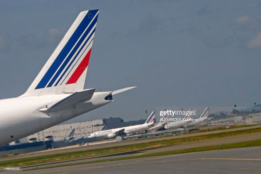 The tailwing of a Boeing 777 of French airline Air France is seen on taxiways after landing at Paris Roissy Charles de Gaulle airport in Roissy-en-France, north of Paris on July 18, 2012. AFP PHOTO / ALEXANDER KLEIN