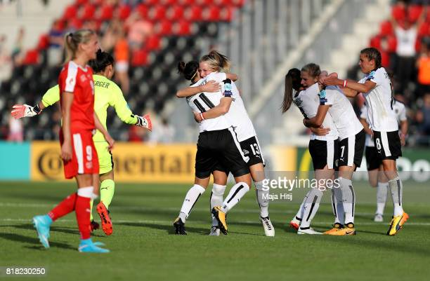 The team of Austria celebrate victory over of Switzerland after the Group C match between Austria and Switzerland during the UEFA Women's Euro 2017...