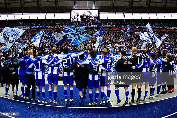 The team of Berlin celebrates after winning the Second Bundesliga match between Hertha BSC Berlin and Fortuna Duesseldorf at Olympic Stadium on...