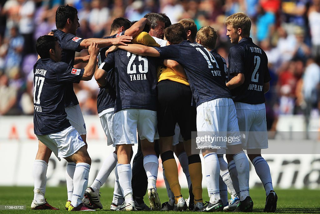 The team of Bochum celebrates after winning the Second Bundesliga match between VfL Osnabrueck and VfL Bochum at Osnatel Arena on May 8, 2011 in Osnabruck, Germany.