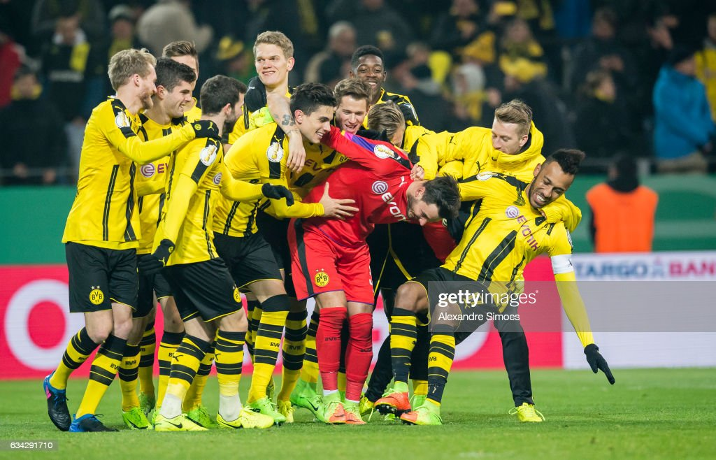 The team of Borussia Dortmund celebrates the win after the penalty shoot-out during the DFB Cup Round Of 16 match between Borussia Dortmund and Hertha BSC at Signal Iduna Park on February 8, 2017 in Dortmund, Germany.