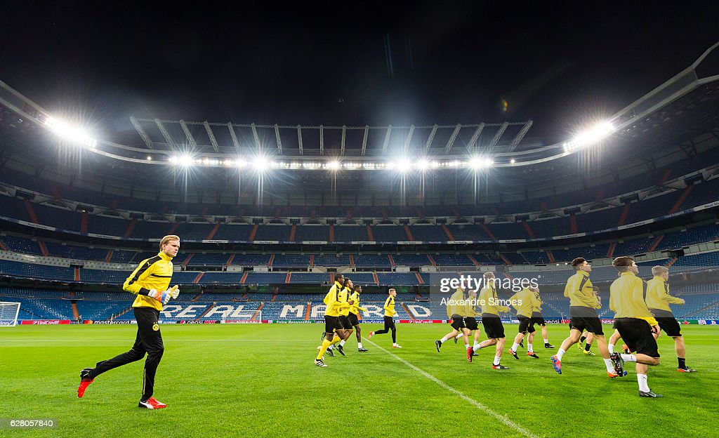 The team of Borussia Dortmund during the training session prior to the Champions League match between Real Madrid CF and Borussia Dortmund at Estadio Santiago Bernabeu on December 06, 2016 in Madrid, Spain.