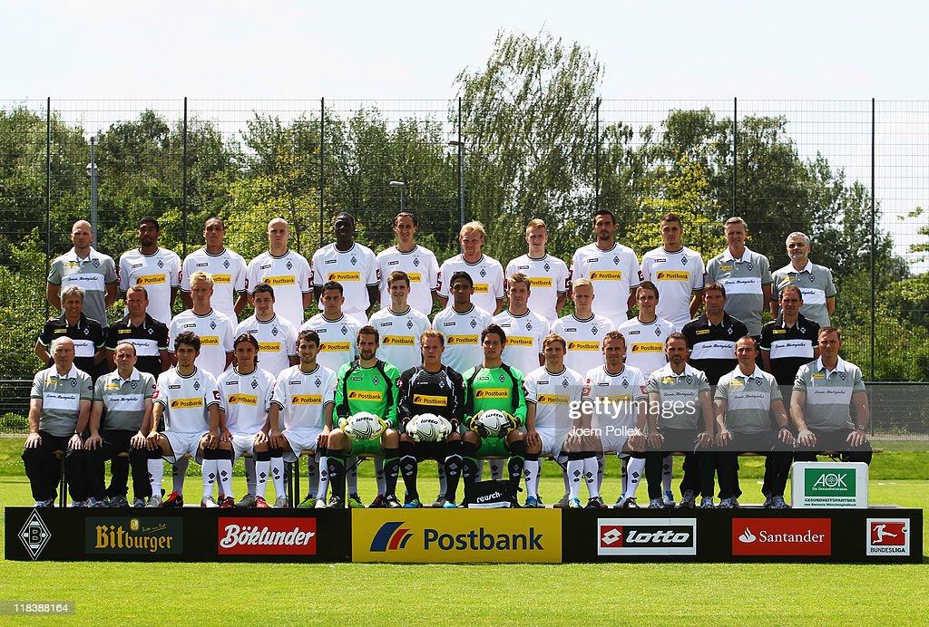 The team of Borussia M'gladbach back row athletic coach Christian Weigl Dante Bamba Anderson Michael Bradley Mo Idrissou Roel Brouwers Tobias Levels...