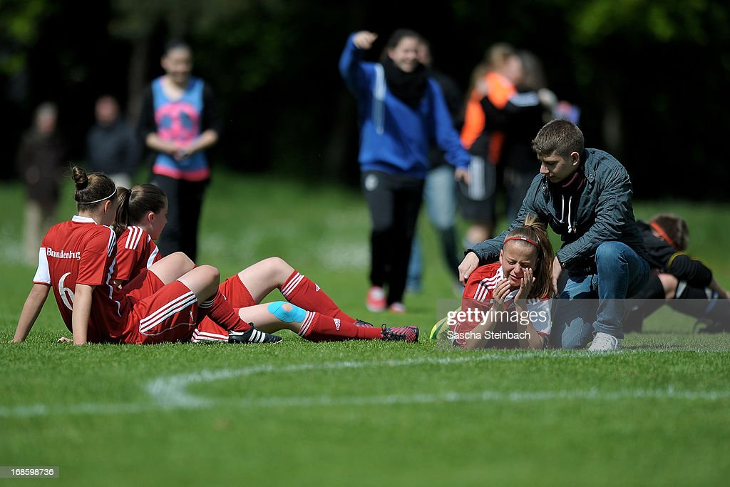 The team of Brandenburg looks dejected after losing the match against Baden during the U15 Federal Cup of the German Football Association DFB at Sports Academy Wedau on May 12, 2013 in Duisburg, Germany.