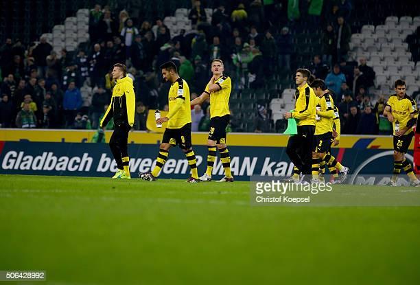 The team of Dortmund celebrates after wnning 31 the Bundesliga match between Borussia Moenchengladbach and Borussia Dortmund at BorussiaPark on...