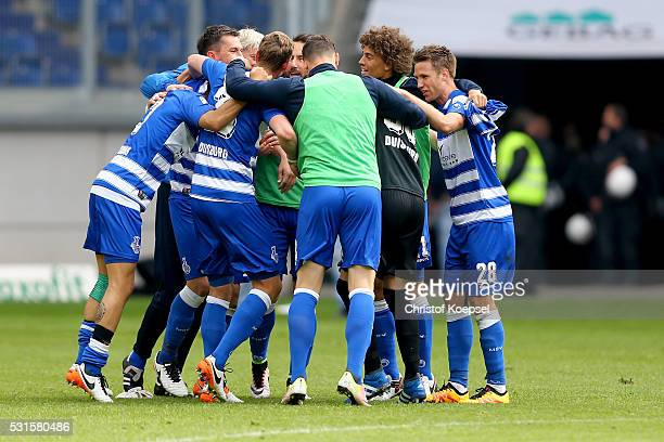 The team of Duisburg celebrates after winning 10 the Second Bundesliga match between MSV Duisburg and RB Leipzig at SchauinslandReisenArena on May 15...