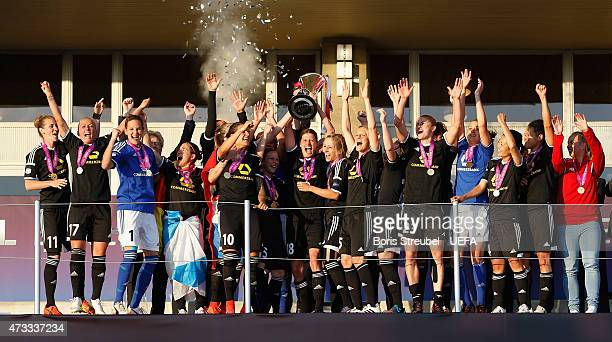 The team of Frankfurt celebrate with the cup after winning the UEFA Women's Champions League final match between 1 FFC Frankfurt and Paris St Germain...