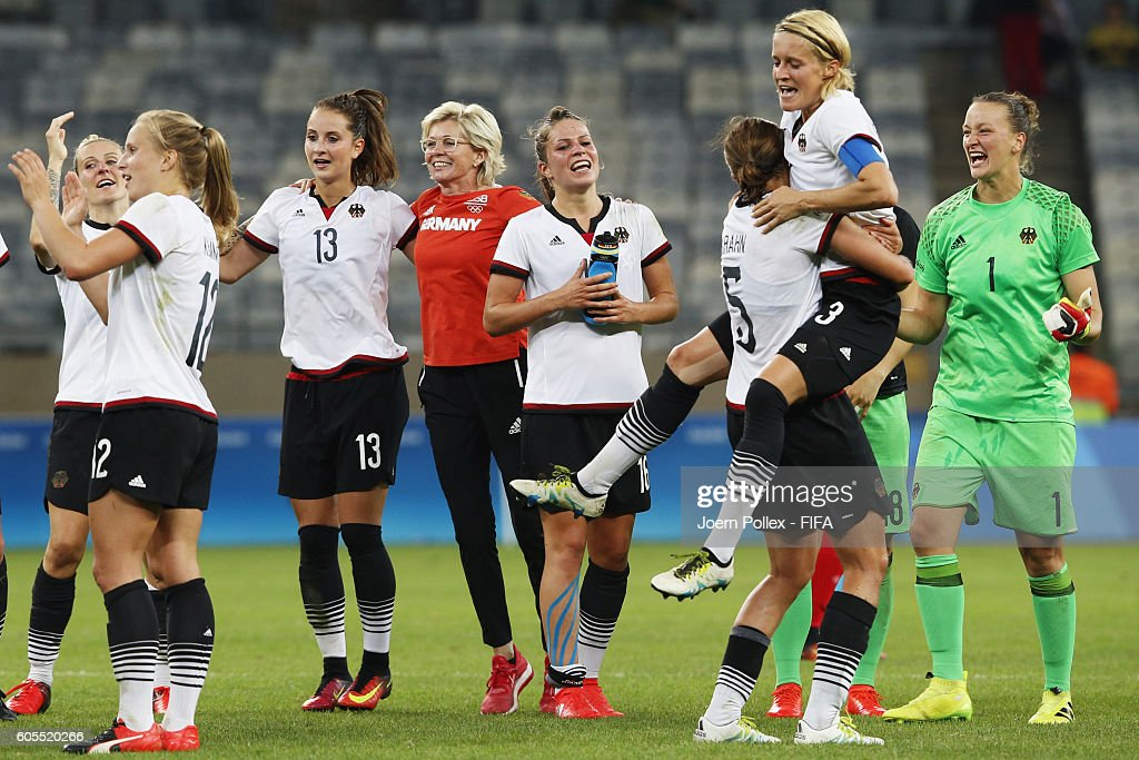 The team of Germany celebrates after winning the Women's Semi Final match between Canada and Germany on Day 11 of the Rio2016 Olympic Games at Mineirao Stadium on August 16, 2016 in Belo Horizonte, Brazil.