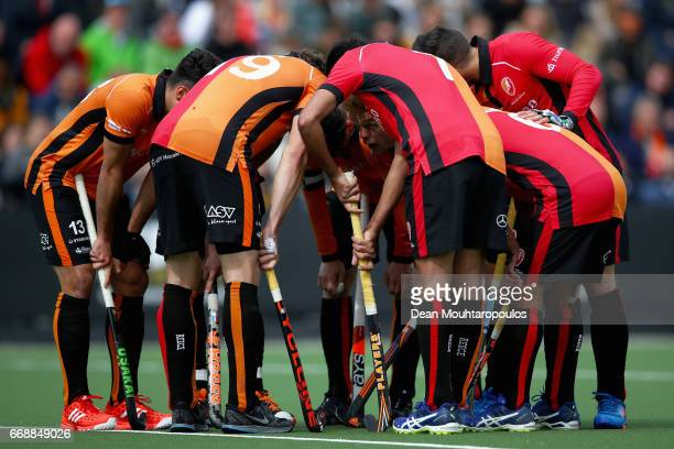 The team of HC OranjeRood lead by captain Robert Van Der Horst and Bob De Voogd huddle during the Euro Hockey League KO16 match between HC OranjeRood...