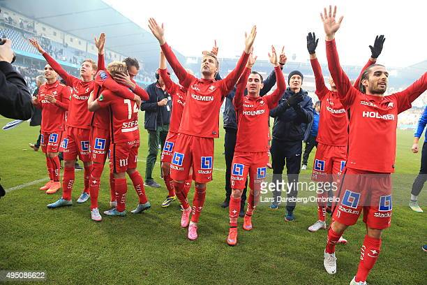The team of IFK Norrkoping celebrates after the match between Malmo FF and IFK Norrkoping at Swedbank Stadion on October 31 2015 in Malmo Sweden