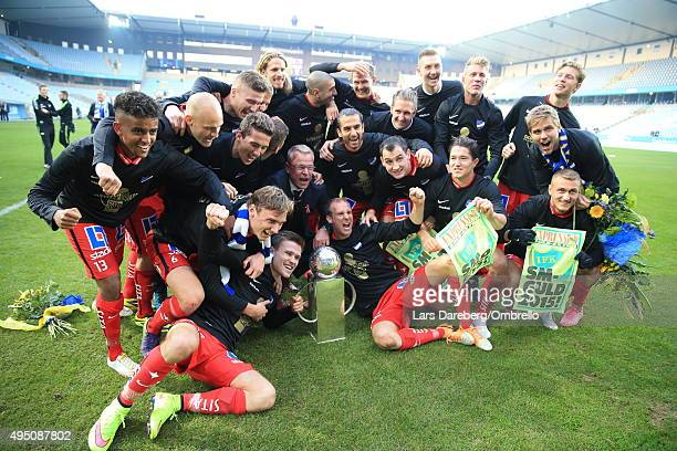 The team of IFK Norrkoping celebrates after winning the match between Malmo FF and IFK Norrkoping at Swedbank Stadion on October 31 2015 in Malmo...