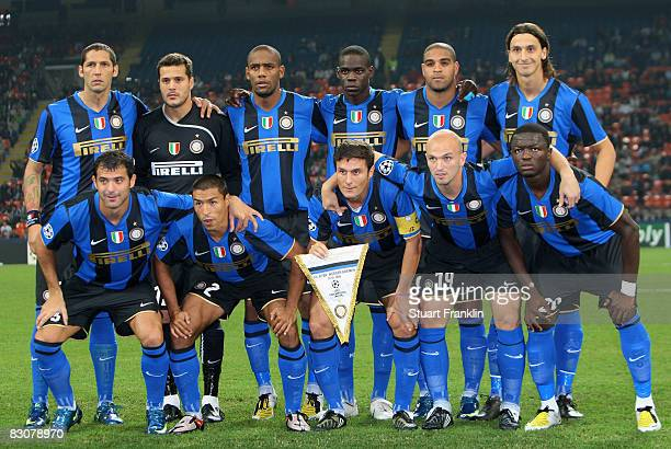 The team of Inter during the UEFA Champions League Group B first leg match between Inter Milan and Werder Bremen at the Giuseppe Meazza stadium on...