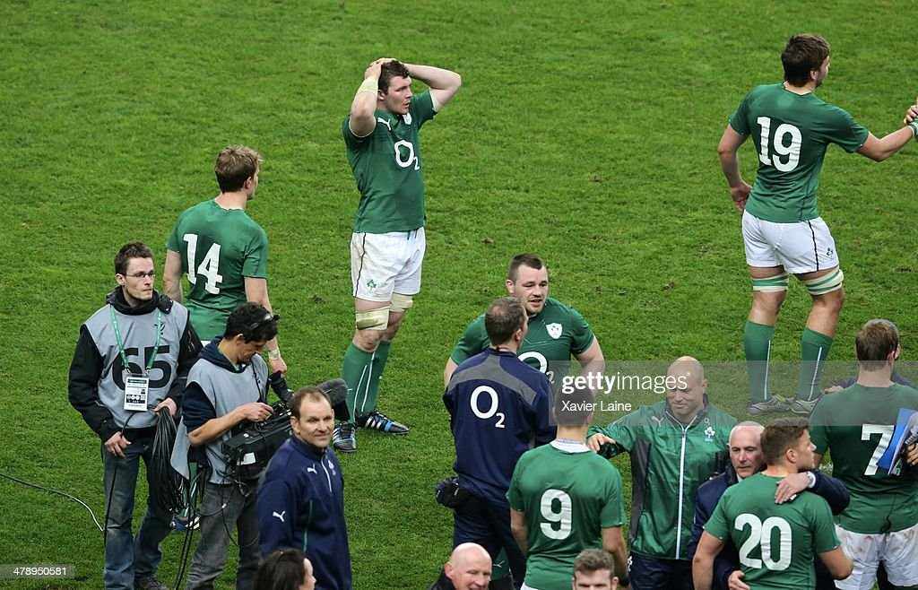 The team of Ireland celebrates after winning the RBS 6 Nations tournament after the RBS 6 Nations match between France and Ireland at Stade de France on march 15, 2014 in Paris, France.