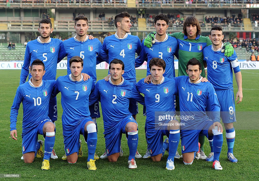 The team of Italy U21 pose before the friendly match between Italy U21 and Rappresentativa Serie B at Stadio Libero Liberati on December 18, 2012 in Terni, Italy.