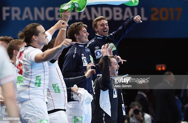 The team of Norway celebrate after the 25th IHF Men's World Championship 2017 Semi Final match between Croatia and Norway at Accorhotels Arena on...