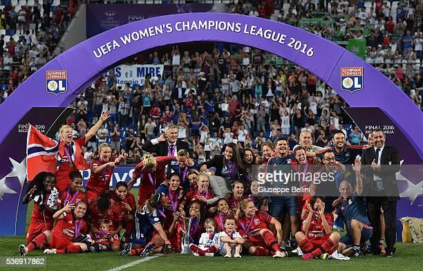 The Team of Olympique Lyonnais celebrates a victory after UEFA Women's Champions League Final between VfL Wolfsburg v Olympique Lyonnais at Mapei...