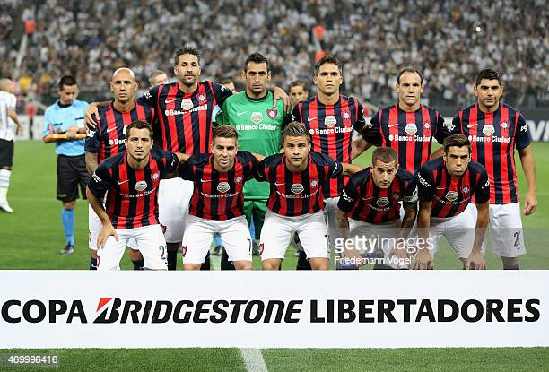 The team of San Lorenzo lines up during a match between Corinthians and San Lorenzo as part of Group 2 of Copa Bridgestone Libertadores at Arena...