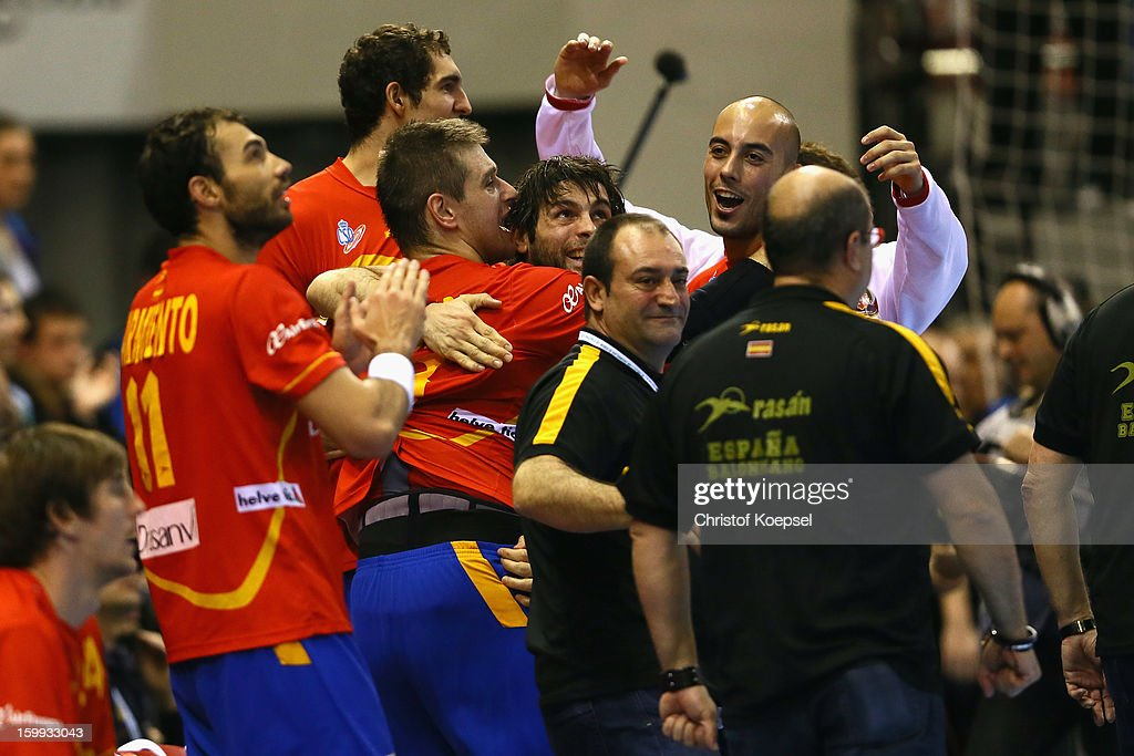 The team of Spain celebrate4s the 28-24 victory after the quarterfinal match between Spain and Germany at Pabellon Principe Felipe Arena on January 23, 2013 in Barcelona, Spain.