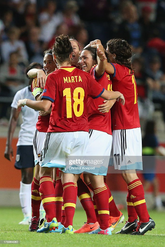 The team of Spain celebrates after winning the UEFA Women's EURO 2013 Group C match between England and Spain at Linkoping Arena on July 12, 2013 in Linkoping, Sweden. The match between England and Spain ended 2-3.