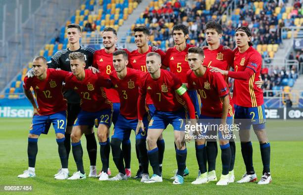 The team of Spain line up prior to the UEFA European Under21 Championship match between Spain and Macedonia at Gdynia Stadium on June 17 2017 in...