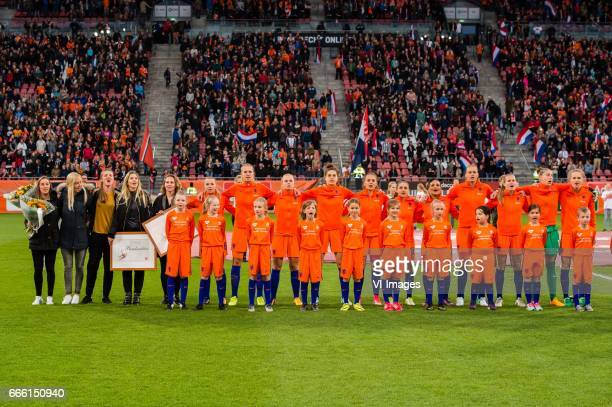 the team of The Netherlands with Anouk Hoogendijk Manon Melis Kirsten van de Ven Mandy Versteegt Maayke Heuver at the start of the matchduring the...