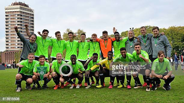 The team of Westfalen poses after winning the U18 Federal Cup at Sport School Wedau on October 11 2016 in Duisburg Germany