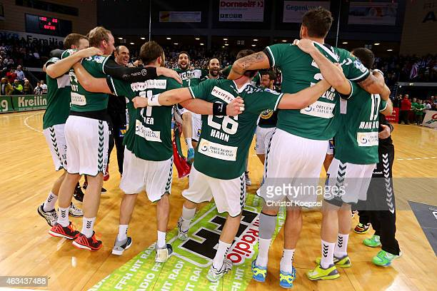 The team of Wetzlar celebrates after the DKB Handball Bundesliga match between HSG Wetzlar and HSV Hamburg at Rittal Arena on February 14 2015 in...