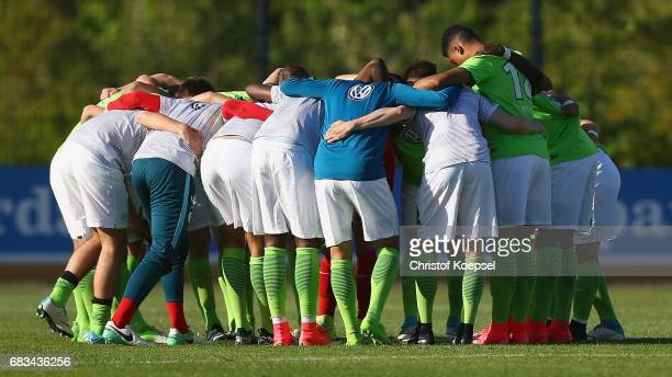 The team of Wolfsburg comes together prior to the U19 German Championship Semi Final second leg match between Borussia Dortmund and VfL Wolfsburg at...