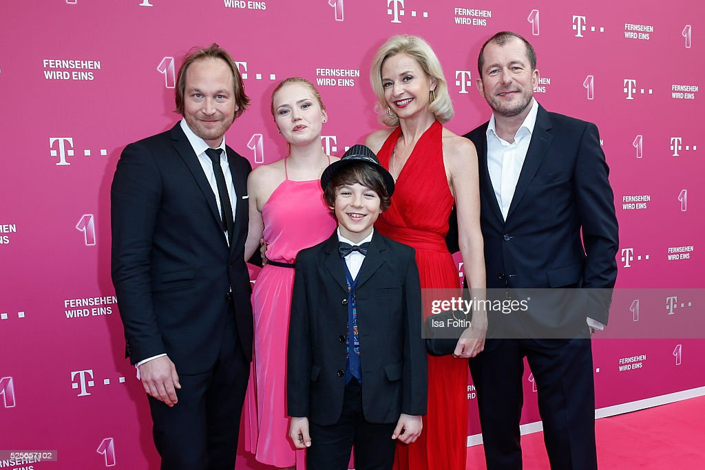 The 'Telekom Familie Heins' with Thilo Prothmann, Eva Nuernberg, Marinus Hohmann, Franziska Schlattner and Martin Lindow attend the Telekom Entertain TV Night at Hotel Zoo on April 28, 2016 in Berlin, Germany.