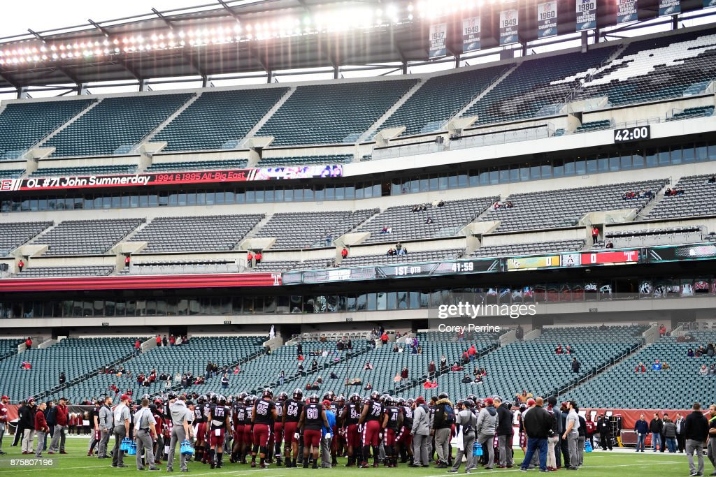 The Temple Owls gather on the field before takin on the UCF Knights at Lincoln Financial Field on November 18, 2017 in Philadelphia, Pennsylvania.