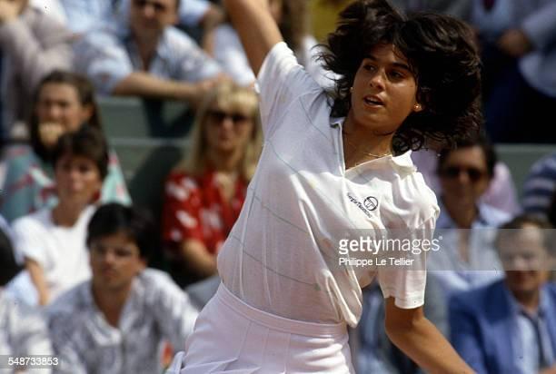 The tennis champion Gabriela Sabatini during the tournament Roland Garros June 1985