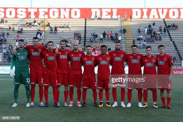 The Teramo Calcio 1913 team line up for a photo before the Lega Pro 17/18 group B match between Teramo Calcio 1913 and Ravenna FC at Gaetano Bonolis...