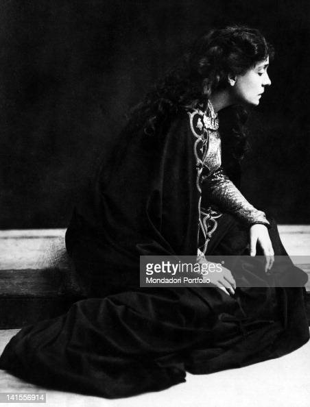 mystic in the theater eleonora duse While eva le gallienne's approach to eleonora duse is reverent, it is also scholarly, stylishly written, and considering her personal debt to duse, remarkably objective.