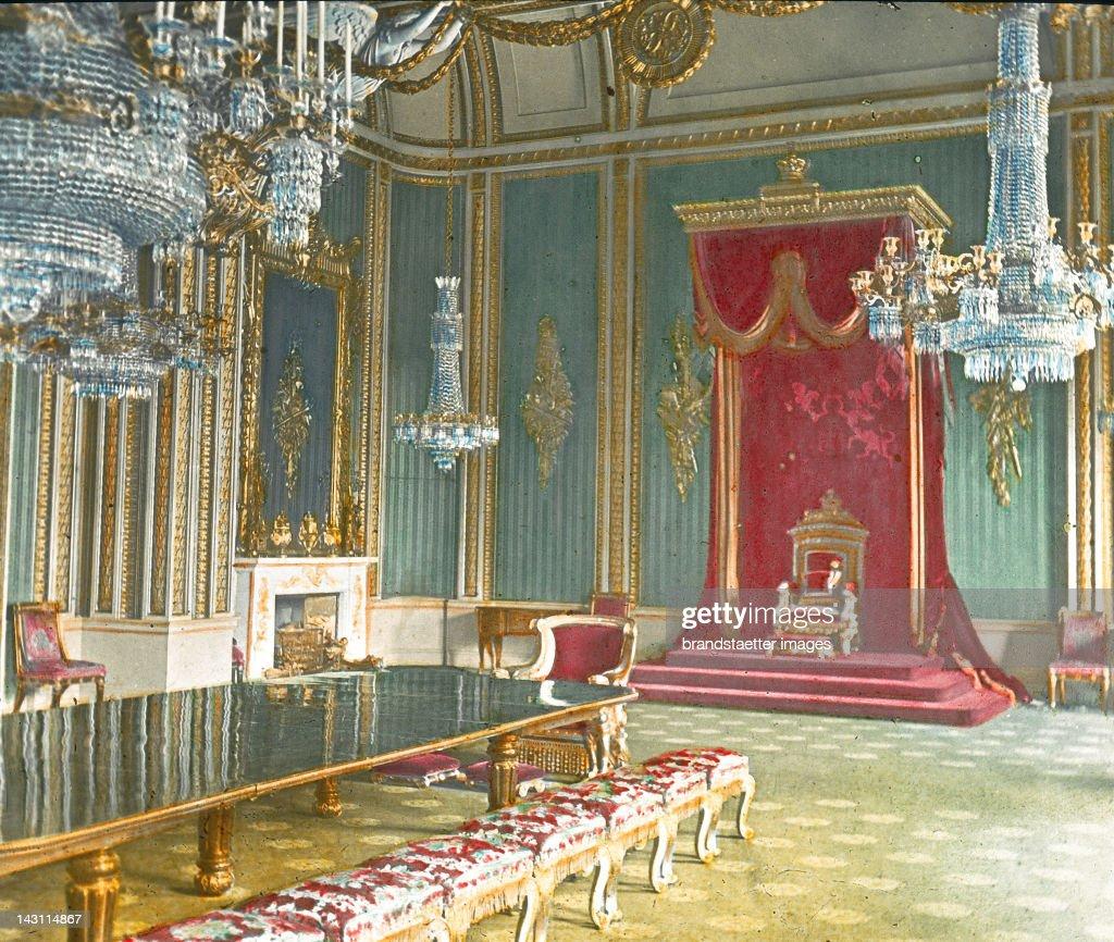 Throne room buckingham palace - The Throne Room In Buckingham Palace London England United Kingdom Hand
