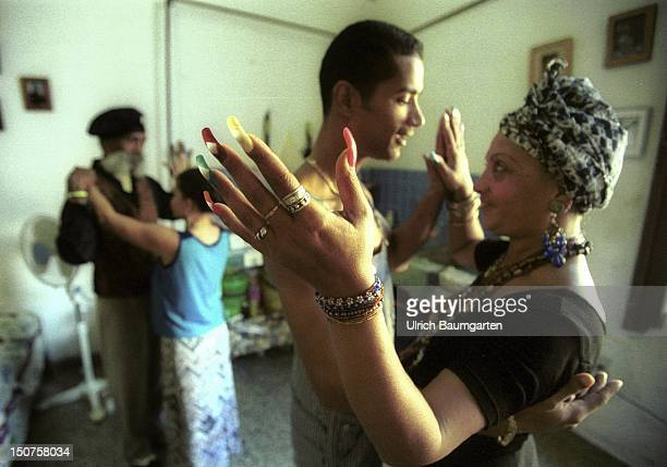 The tiny Salsa school in Cuba Adelaida BORGES and Hermenegildo ARENCIBIA teach in theirs oneroom apartment in the old part of town of the Cuban...