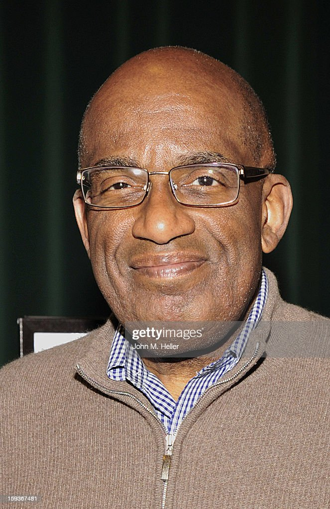 The Today Show Weatherman and TV Host <a gi-track='captionPersonalityLinkClicked' href=/galleries/search?phrase=Al+Roker&family=editorial&specificpeople=206153 ng-click='$event.stopPropagation()'>Al Roker</a> signs copies of his new book 'Never Goin' Back: Winning The Weight - Loss Battle For Good' at Barnes & Noble at The Americana at Brand on January 12, 2013 in Glendale, California.