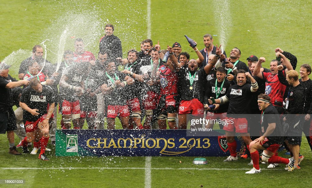The Toulon players celebrate with the trophy at the end of the Heineken Cup final match between Clermont Auvergne and RC Toulon at the Aviva Stadium on May 18, 2013 in Dublin, Ireland.