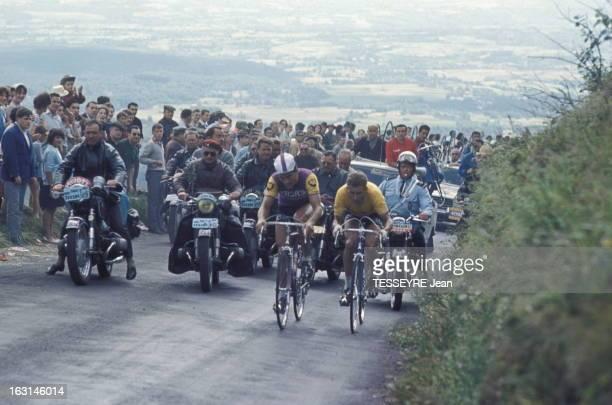 Confrontation AnquetilPoulidor Le drame du PuydeDôme pour Jacques ANQUETIL qui se fait passer par Raymond POULIDOR à un kilomètre de l'arrivée