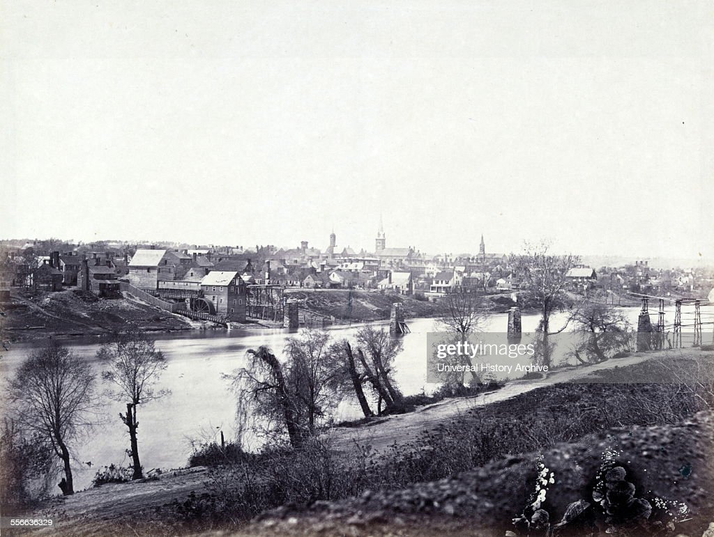 The town of Fredericksburg Virginia just before the American Civil War Battle of Fredericksburg 1862