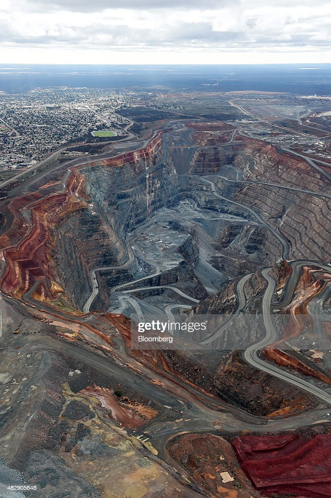 The township of Kalgoorlie left stands next to the Fimiston Open Pit mine known as the Super Pit in this aerial photograph taken above Kalgoorlie...