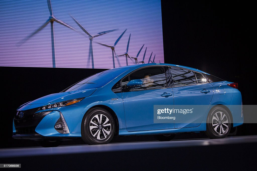 Inside the 2016 new york international auto show getty for Toyota motor company usa