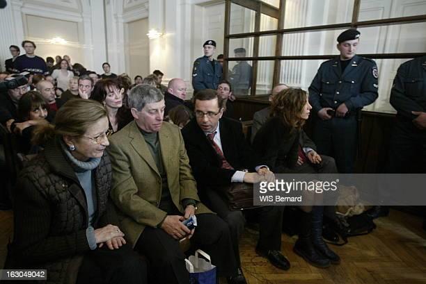 The Trial Of Bertrand Cantat La famille CANTAT assistant au procès de Bertrand à VILNIUS ses parents Danièle et Guy assis dans le tribunal ux côtés...