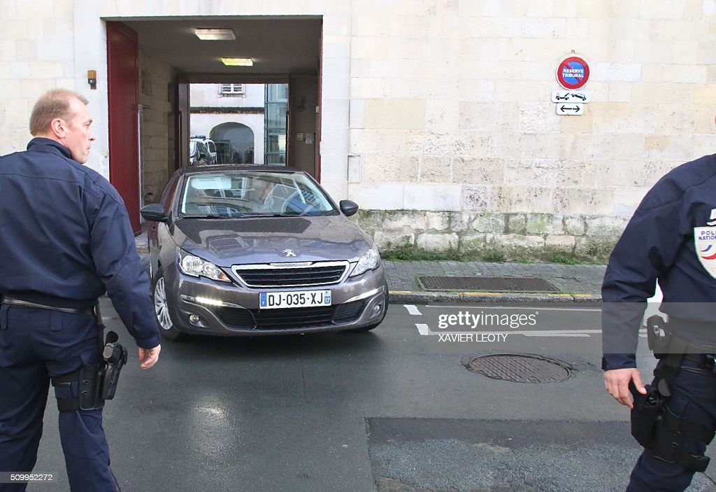 The truck driver leaves the court of La Rochelle on February 13, 2016 after his indictment for manslaughter, following the accident of a school bus which crashed into a truck near Rochefort on February 11, 2016, killing six children. Six children were killed when a school minibus crashed into a truck in western France on Thursday, police said, a day after another road accident involving a school bus left two youngsters dead. / AFP / XAVIER LEOTY