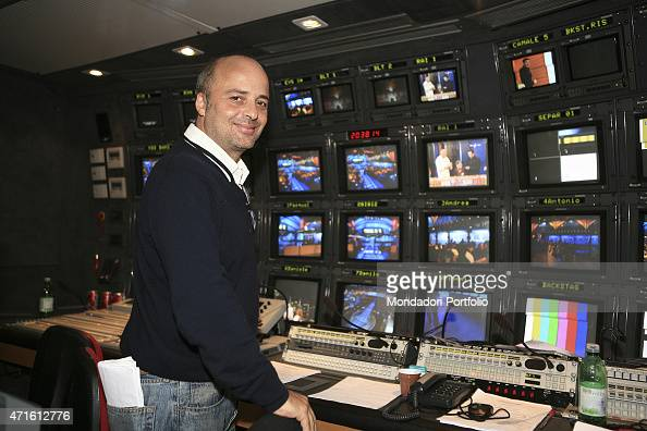 SERGIO COLABONA RISPONDE ALLA COMMUNITY http://media.gettyimages.com/photos/the-tv-director-sergio-colabona-in-a-photo-shooting-shooted-in-the-picture-id471612776?s=594x594