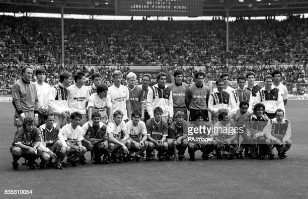 The two sides pose for a team photo before the kick off Steve Ogrizovic Alan Smith Richard Gough Chris Waddle Celso Ayala Peter Beardsley Glenn Hysen...