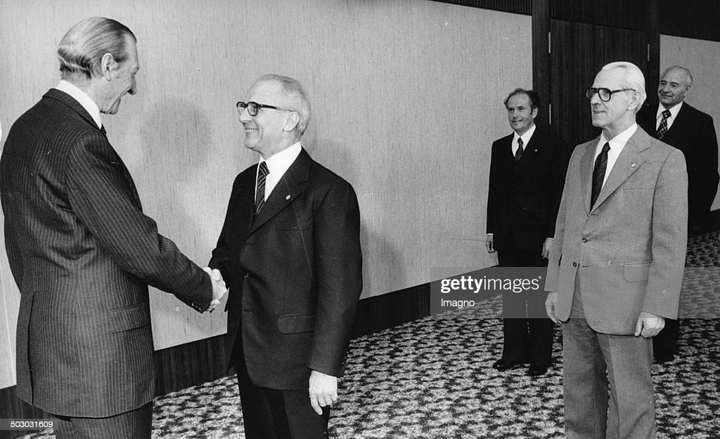 The UN Secretary-General <a gi-track='captionPersonalityLinkClicked' href=/galleries/search?phrase=Kurt+Waldheim&family=editorial&specificpeople=238902 ng-click='$event.stopPropagation()'>Kurt Waldheim</a> during his visit to the German Democratic Republic together with the General Secretary of the Central Committee of the SED <a gi-track='captionPersonalityLinkClicked' href=/galleries/search?phrase=Erich+Honecker&family=editorial&specificpeople=209084 ng-click='$event.stopPropagation()'>Erich Honecker</a>. At the meeting are also the Minister of Foreign Affairs of the German Democratic Republic Oskar Fischer; the Prime Minister of the GDR Willi Stoph and Peter Florin. 6th April 1979. Photograph.