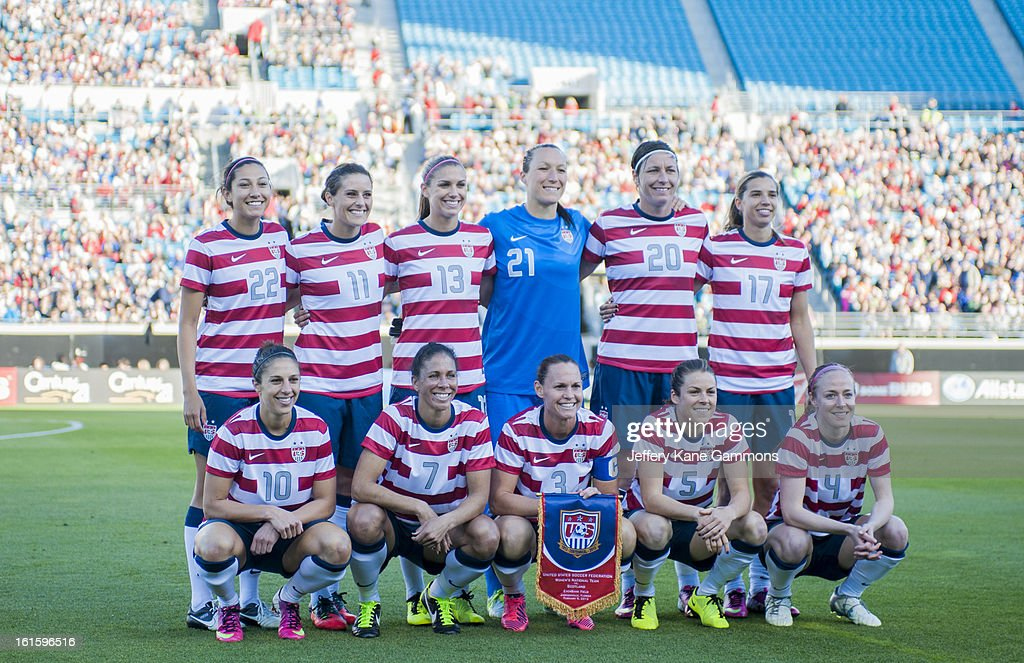 The United States poses for a picture before the game at EverBank Field on February 9, 2013 in Jacksonville, Florida.